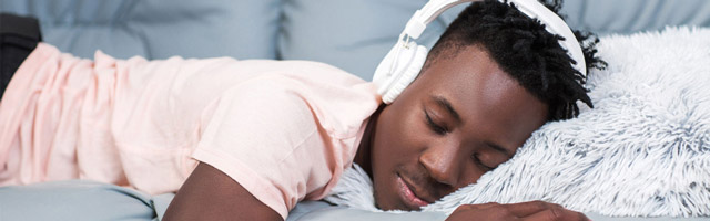 Beim Einschlafen kann Musik helfen