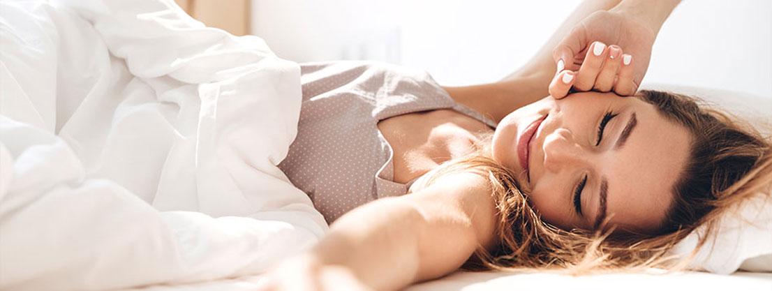Woman wakes up, mindfulness