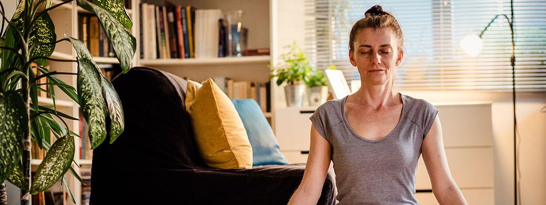 Woman, meditation in crisis