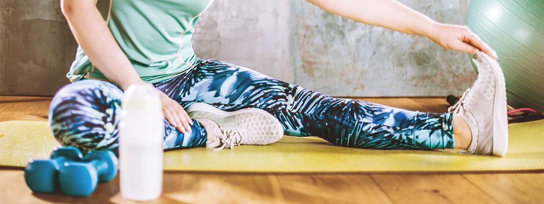 Frau, Bewegung und Meditation